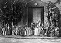 COLLECTIE TROPENMUSEUM 'Theateropvoering van 'Judas Iscariot' in de open lucht tijdens een Indische tournee van toneelspeler Louis de Vries' TMnr 10018004.jpg