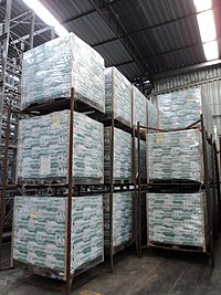 Caixas de leite da Parmalat em Governador Valadares MG.JPG
