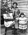 Calvo and Levy family members, Seattle (PORTRAITS 471).jpg