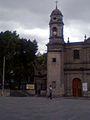 Campanario y Plaza de la Parroquia Santa Cruz y Soledad.jpg