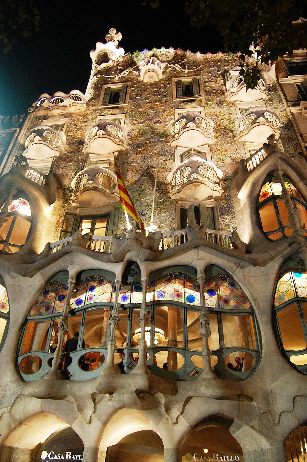 Casa batll wikipedia for Antoni gaudi opere