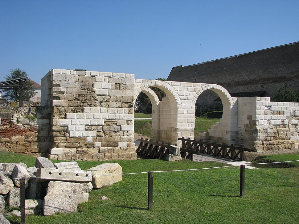 Castrum Apulum 2011 - Porta Principalis Dextra-1