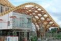 Centre Pompidou-Metz - Charpente en bois autour de la galerie 1 et pied-tulipe de la charpente.JPG