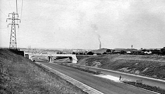 Looking north from a similar position south of Toddington services (July 1959) Chalton - M1 Motorway under construction.txt 1725911 0aaeb0d3.jpg