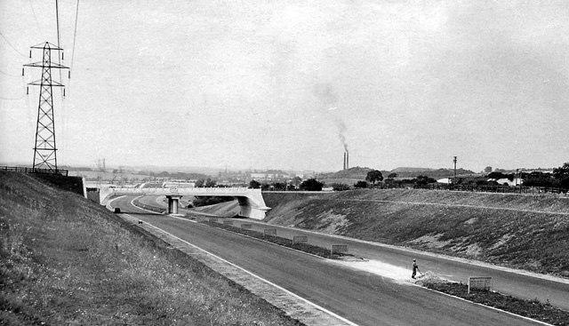 Chalton - M1 Motorway under construction.txt 1725911 0aaeb0d3