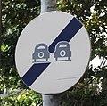 Chamalières - Ancien panneau de fin d'interdiction de dépasser.jpg