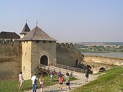 Chotyn, pevnost, vstup