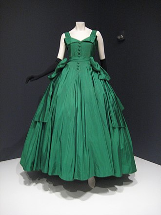 French fashion - Evening dress, House of Dior, 1954. Indianapolis Museum of Art.