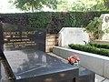 Cimetière du père Lachaise (9377223347).jpg