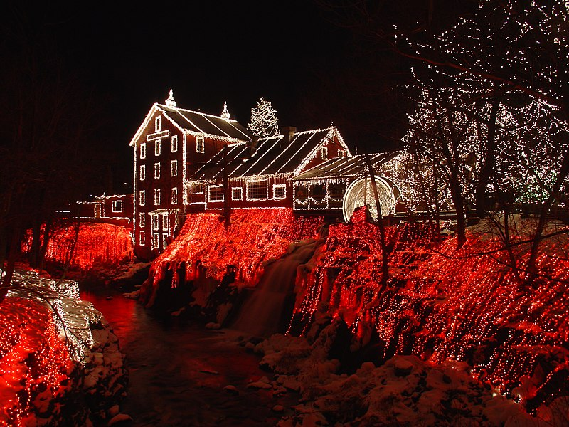File:Clifton Mill Christmas 2005.JPG