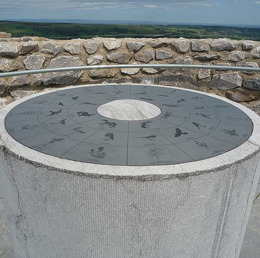 Coldstones Cut overlooks the huge working Coldstones Quarry and offers spectacular views. - panoramio