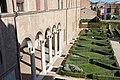 Colonnato e giardino.jpg