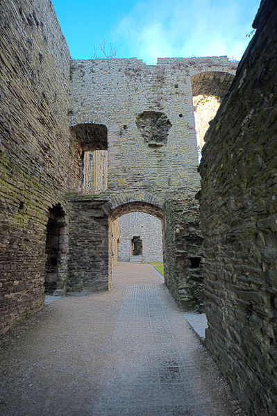 File:Conwy Castle (HDR) (8074248595).jpg