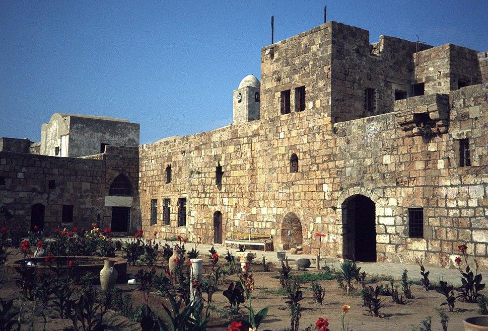 Cours de la forteresse d'Arouad