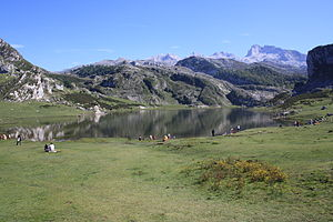 Español: Lagos de Covadonga tras terminar de p...
