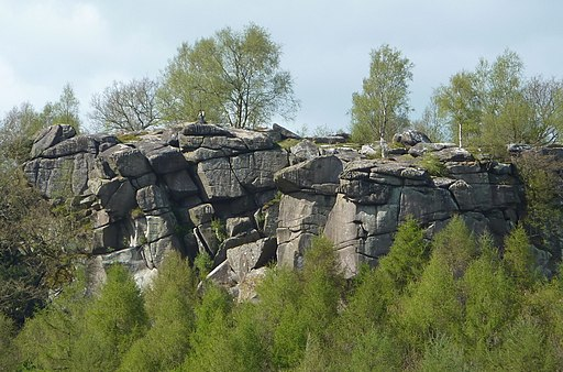 Crags at Cratcliff - geograph.org.uk - 2360762