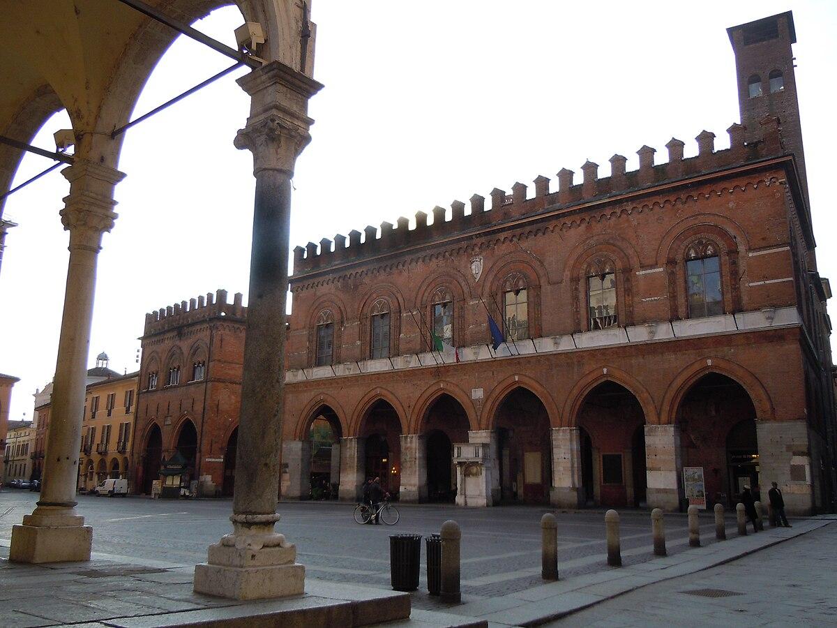 Cremona wikivoyage guida turistica di viaggio for Citta tedesca nota per le fabbriche di auto