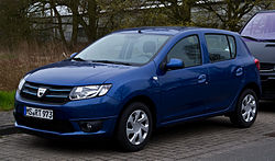 Dacia Sandero TCe 90 eco² Lauréate (II) – Frontansicht, 21. April 2013, Münster.jpg