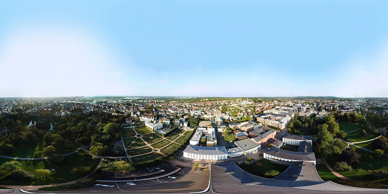 A 360-degree panorama of Darmstadt. In addition to the buildings of the Technical University, the 'Herrengarten', the 'Prinz-Georg-Garten' and many more can be seen from above