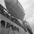 De Sainfoin bij aankomst in Tandjong Priok met aan boord militairen vanuit Malak, Bestanddeelnr 255-8243.jpg