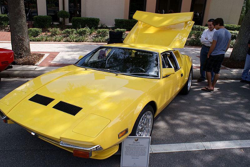 File:De Tomaso Pantera 1972 yellow LSideFront LakeMirrorClassic 17Oct09 (14414122847).jpg