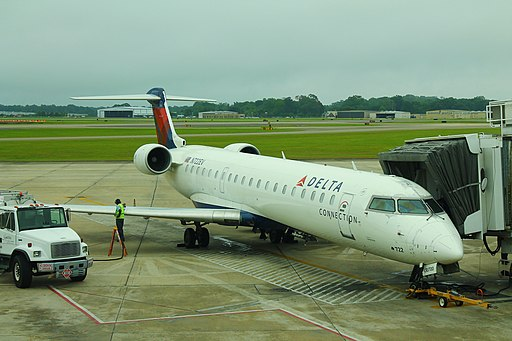 Delta N722EV- Bombardier CRJ700 (33992093034)
