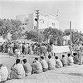 Demonstratie van gedemobiliseerde militairen in 1949 voor het gebouw van de kne…, Bestanddeelnr 255-1341.jpg