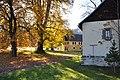 Deutsch-Griffen Spitzwiesen Filialkirche Kastanienbaum Linde und Wirtschaftsgebaeude 25102012 566.jpg