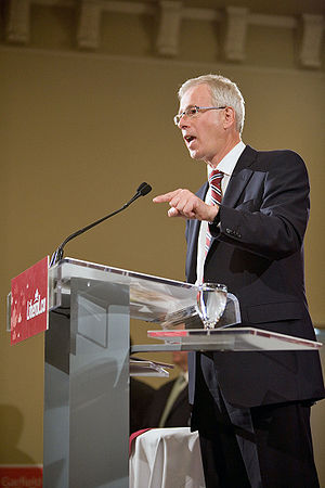 Stéphane Dion - Stéphane Dion addresses a crowd during the 2008 Canadian Federal Election.