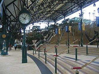 Disneyland Resort station - Image: Disneyland Resort Station (17)