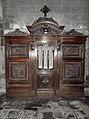 Dol-de-Bretagne (35) Cathédrale Saint-Samson Confessionnal.jpg
