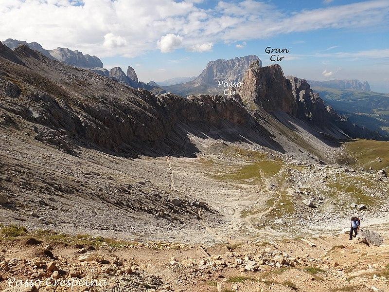 File:Dolomites - Alta Via 2, Stage 03-11 Rifugio Puez to Rifugio Boè - panoramio (7).jpg