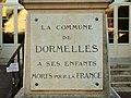 Dormelles-FR-77-monument aux morts-02.jpg
