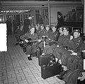 Ds. P.H. Meerburg met Korea-vrijwilligers van Schiphol naar Korea, Bestanddeelnr 904-4649.jpg