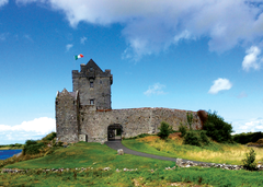 Dunguaire Castle, Galway, Ireland.png