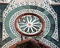 Duomo di firenze, medaglioni intarsiati in marmi nei timpani delle finestre sui fianchi 16,2.jpg