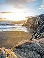 Dyrhólaey sunrise (15847044814).jpg