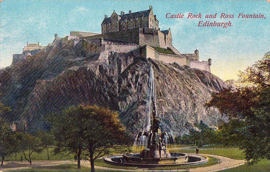Castle Rock et le Chateau d'Edimbourg vers 1905.