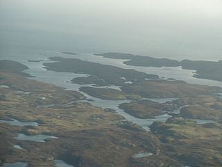 Eileanan Chearabhaigh A group of small uninhabited tidal islands off the south east coast of Benbecula in the Outer Hebrides of Scotland
