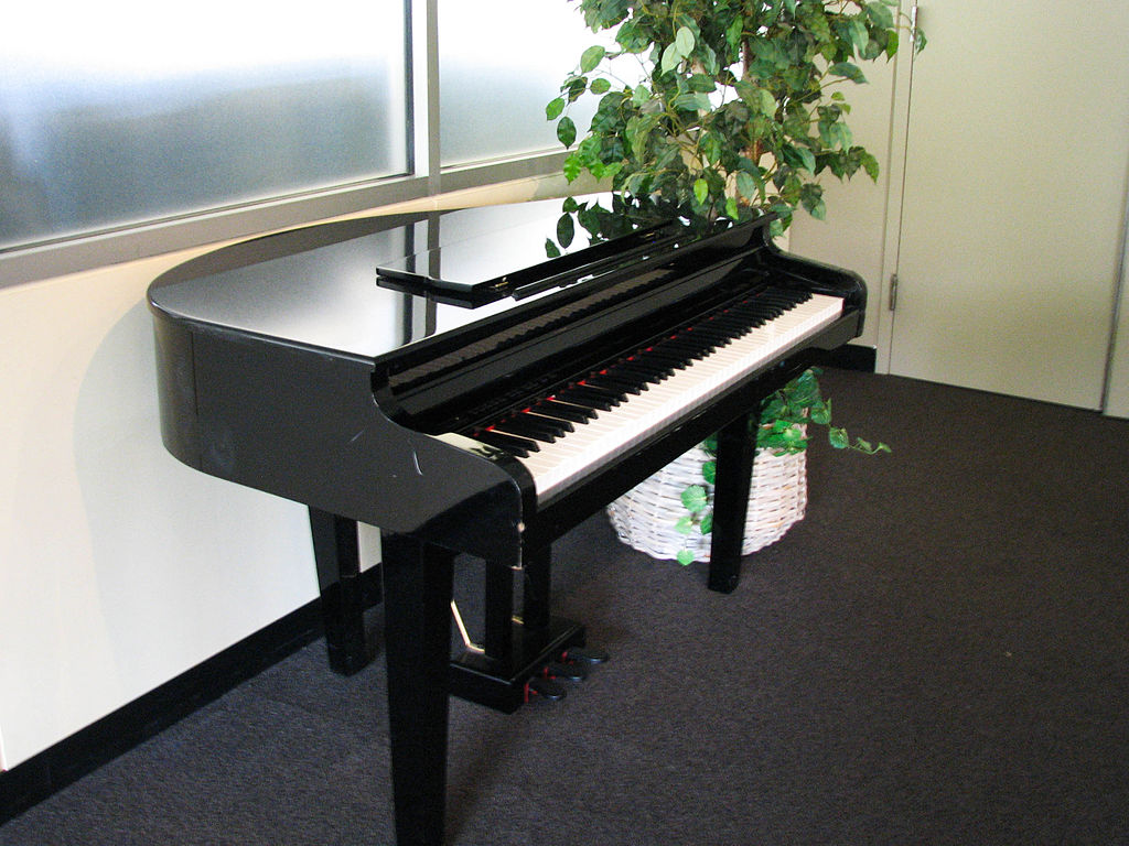 File electronic baby grand piano wikimedia for Size baby grand piano
