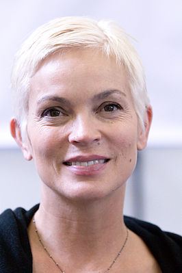 Elizabeth Gracen 20100704 Japan Expo 1.jpg
