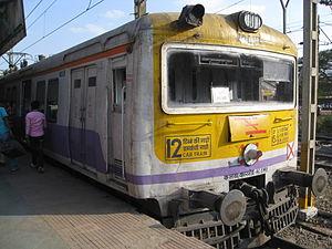 Pune Suburban Railway - Image: Emu at Lonavala