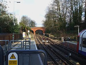 Epping tube station - Image: Epping station look north to siding
