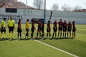 Eskişehirspor (women) - Eskişehirspor squad at the away match against Ataşehir Belediyespor in the 2014–15 season.