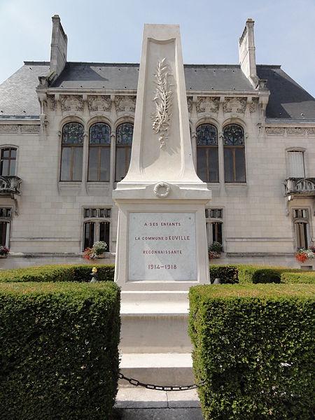 Euville (Meuse) monument aux morts