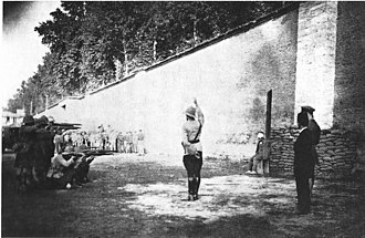 Turkish War of Independence - Execution of a Kemalist Turk by the British forces in Izmit. (1920)