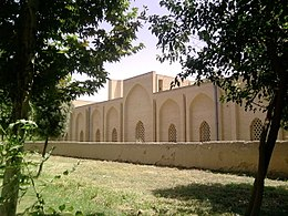 Exterior courtyard of Jameh Mosque complex in Varamin.jpg