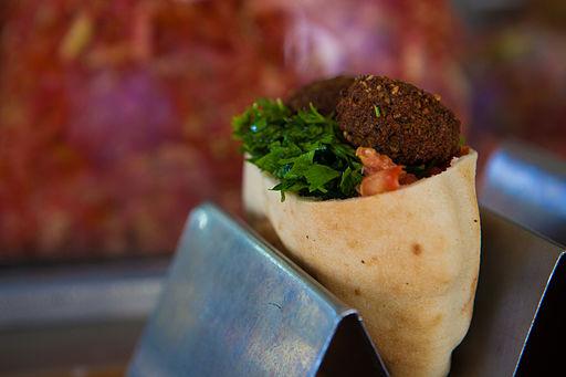 Falafel in a pita2