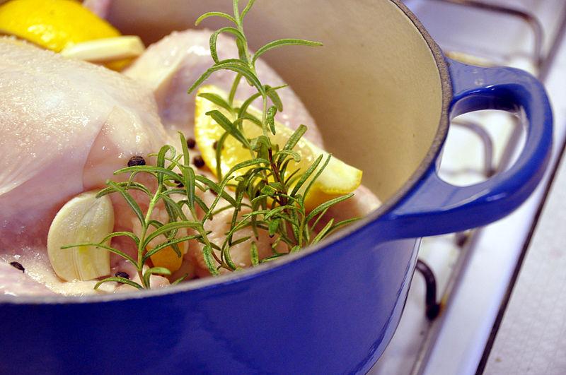 File:Flickr - cyclonebill - Kylling med hvidløg, citron, rosmarin og sort peber.jpg