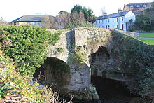 FootbridgeAtMilltown.JPG